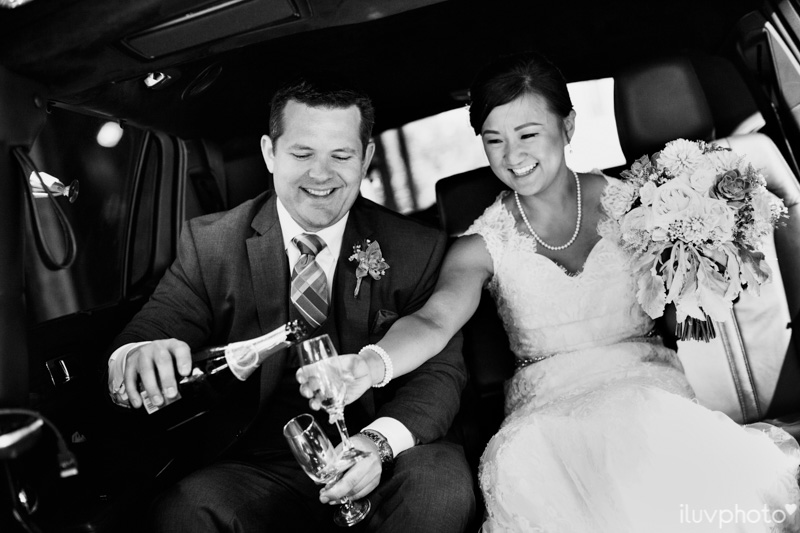 097_iluvphoto_chicago_candid_wedding_photographer_