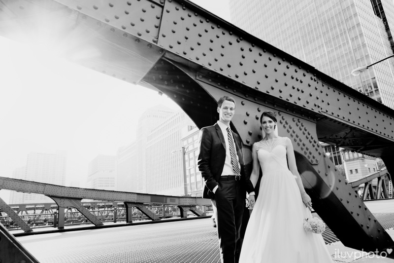 126_iluvphoto_chicago_candid_wedding_photographer_