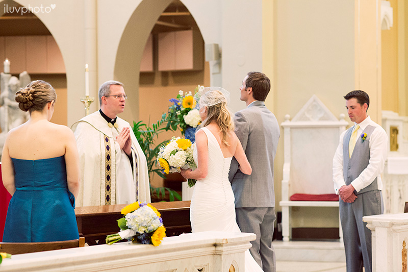 13_iluvphoto_naperville_Saints_peter_and_paul_catholic_church_wedding
