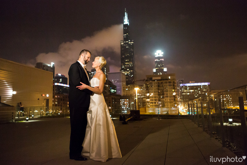 148_iluvphoto_chicago_candid_wedding_photographer_