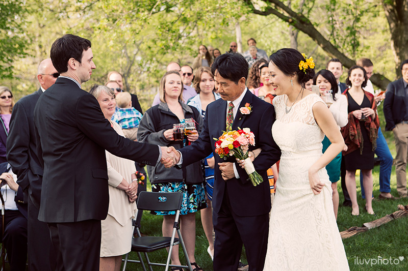 14_iluvphoto_backyard_wedding_tent_Korean_outdoor_ceremony