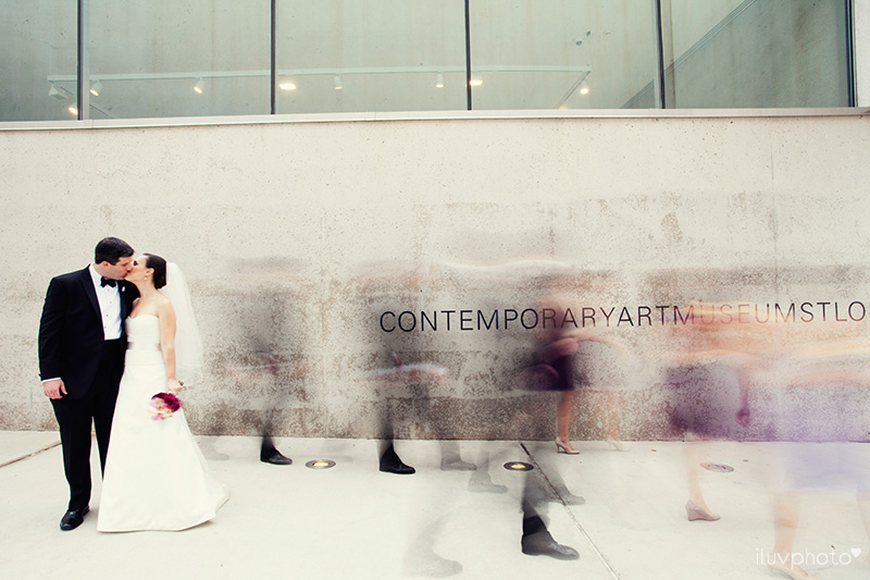 15_iluvphoto_wedding_photography_contemporary_art_museum_St_Louis_ceremony_reception_portraits