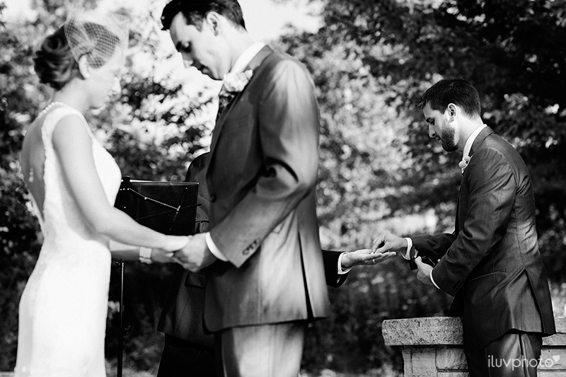18-iluvphoto-Independence Grove-wedding-photography-outdoor-ceremony-chicago