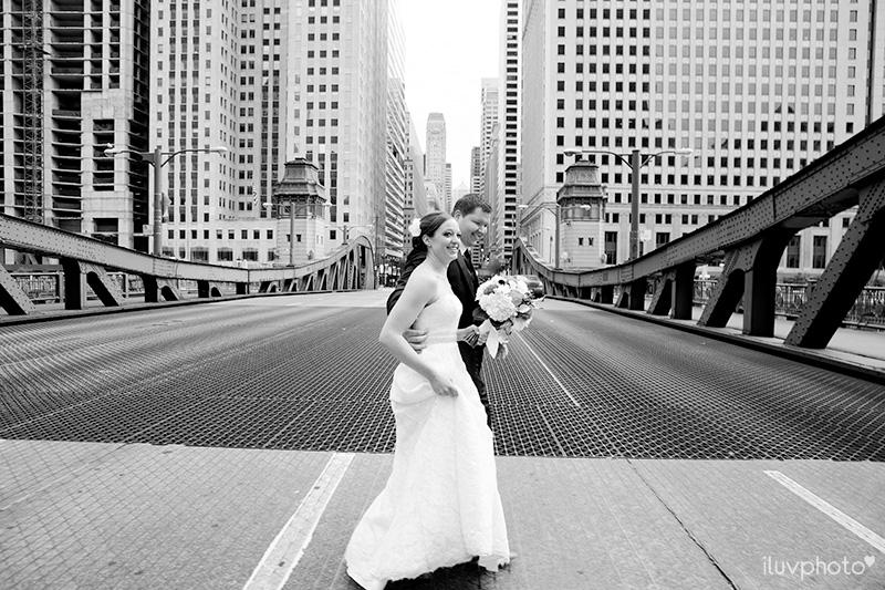 18_iluvphoto_downtown_chicago_wedding_photographer