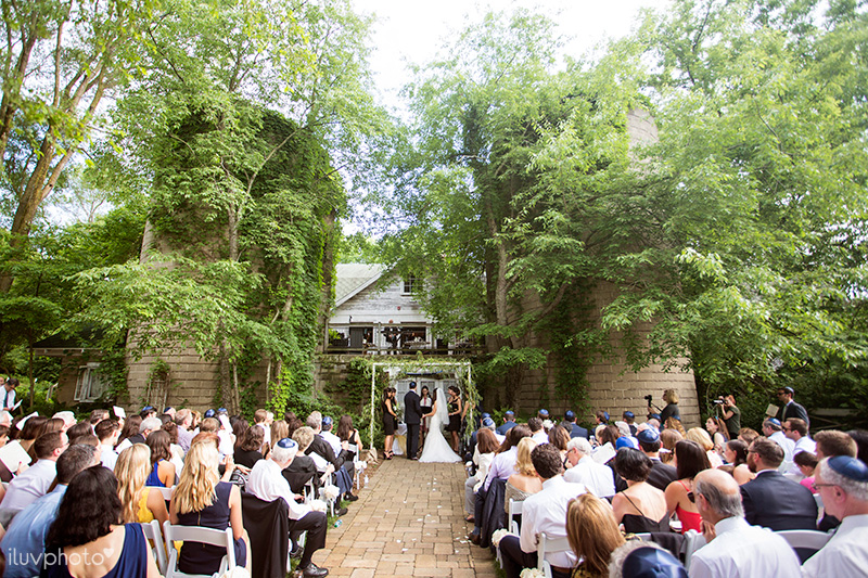 20_iluvphoto_Blue_dress_barn_wedding_reception_outdoor_ceremony_photographer