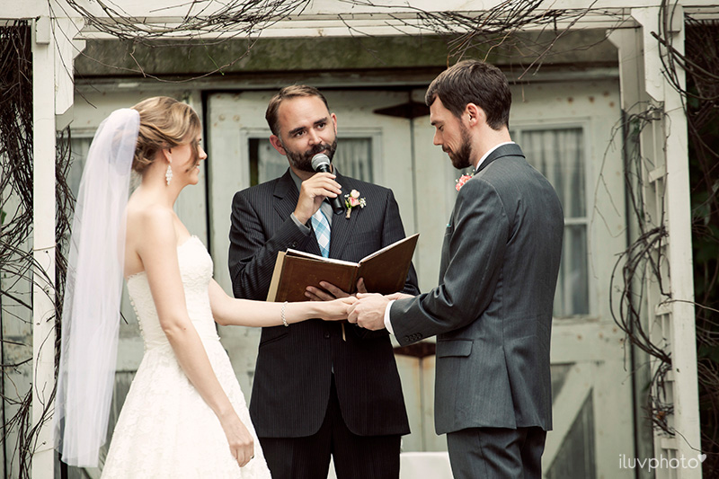 21_iluvphoto_blue_dress_barn_outdoor_ceremony_benton_harbor_barn_wedding