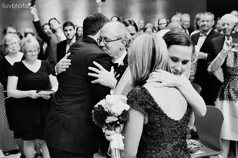 23_iluvphoto_wedding_photography_contemporary_art_museum_St_Louis_ceremony_reception_portraits