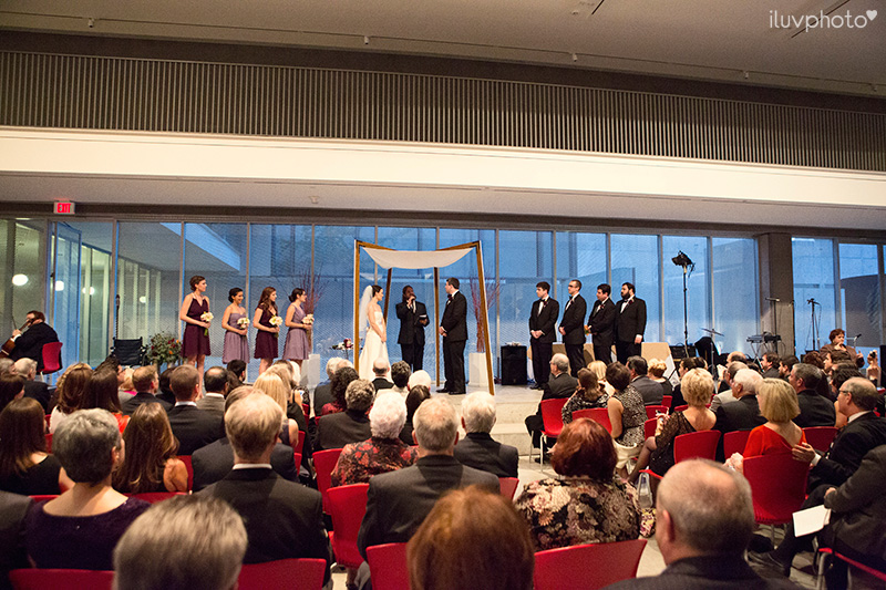 24_iluvphoto_wedding_photography_contemporary_art_museum_St_Louis_ceremony_reception_portraits