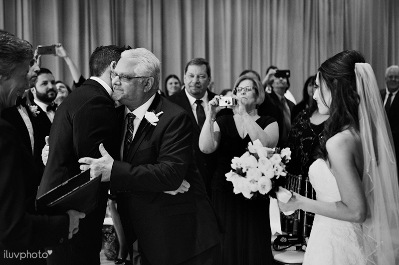 iluvphoto_arlington_Heights_wedding_photography_Metropolis_ballroom_16