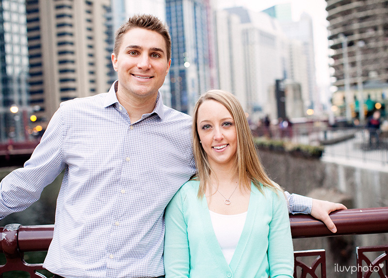 iluvphoto_ilovephoto_Chicago_riverwalk_downtown_engagement_session_05