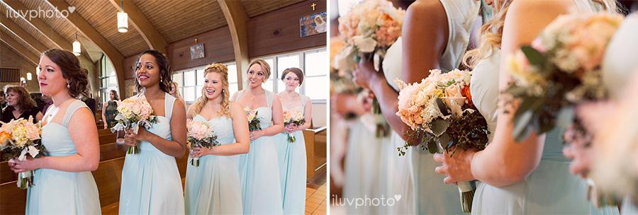 11_Brookfield_Zoo_wedding_Chicago_iluvphoto_photographer_candid_natural.jpg
