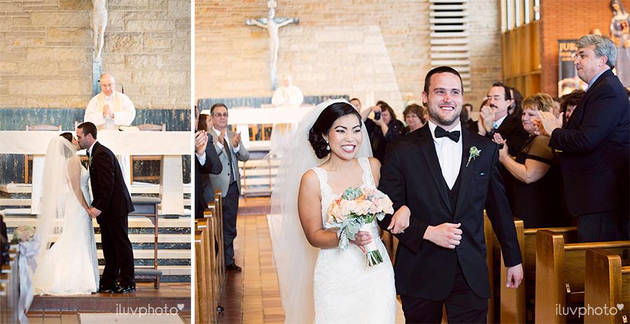 14_Brookfield_Zoo_wedding_Chicago_iluvphoto_photographer_candid_natural.jpg