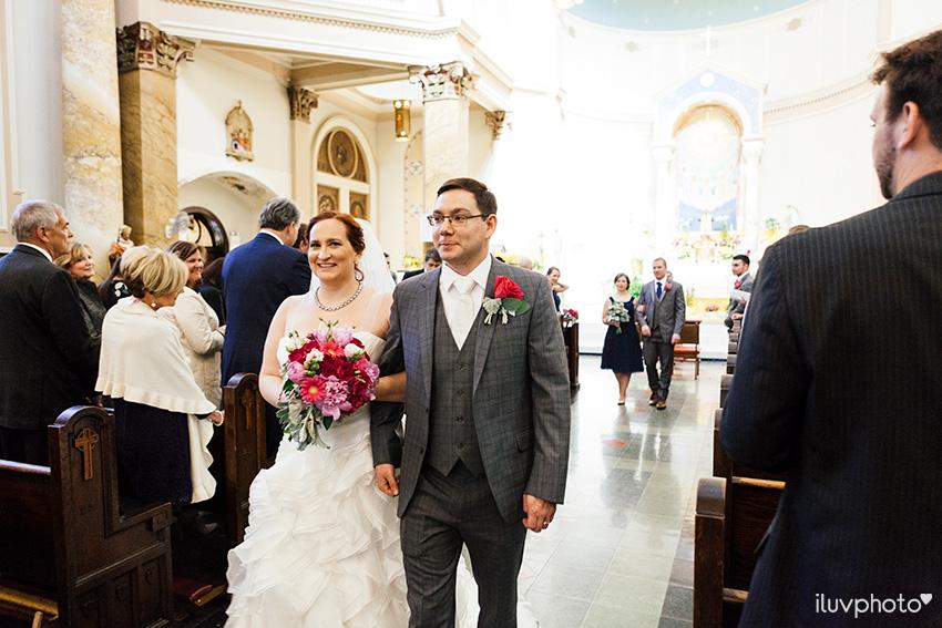 20_iluvphoto_chicago_wedding_downtown_Holy_Innocents_Church.jpg