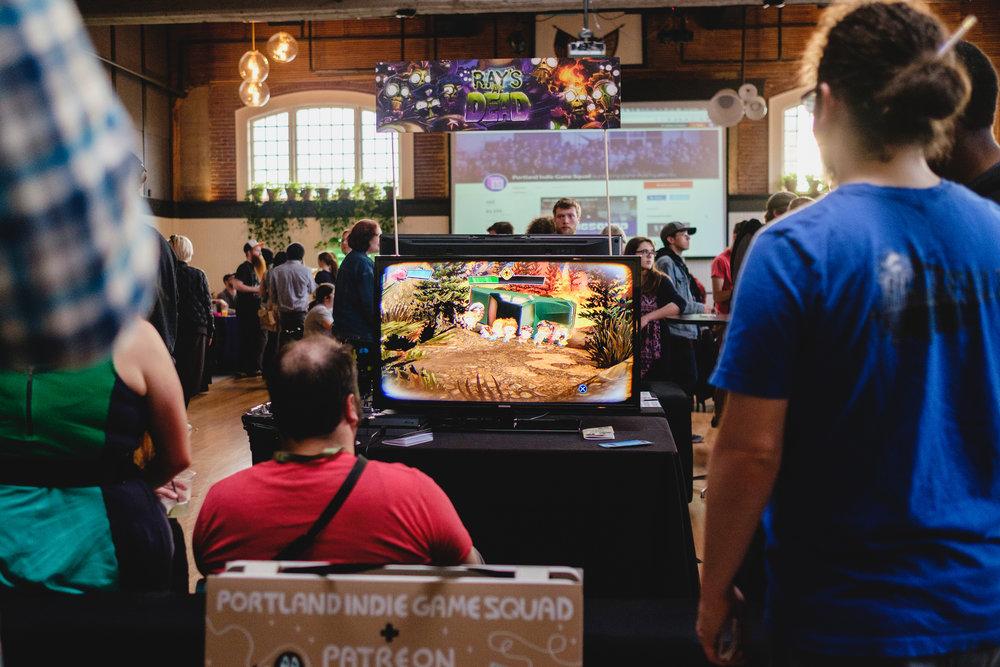 drink-n-draw--portland-indie-game-squad--patreon--design-week-portland_34300414396_o.jpg