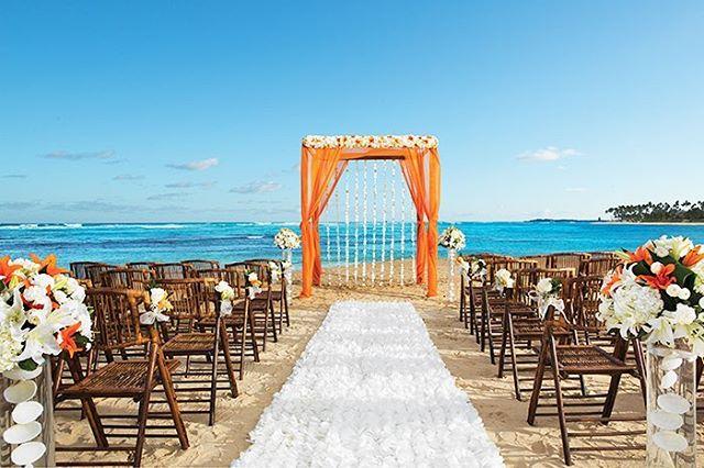 Tropical colours to brighten up today #destinationwedding #beachceremony #oceanasabackdrop #weddingcolors #destinationweddingspecialist #travelagent