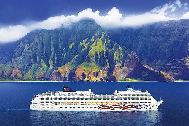 All aboard the Pride of America through the islands of Hawaii 🛳 #cruiselife #hawaii #norwegiancruiseline #ncl #vacation #travel #honeymoon #destinationwedding #travelagent #natashaeventsandtravel