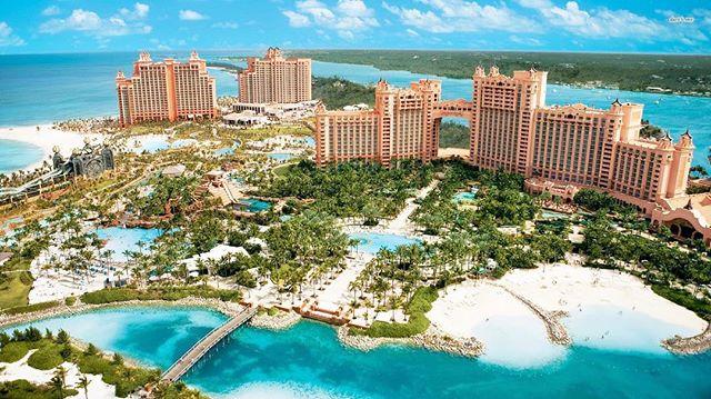 The stunning Atlantis Paradise Island Resort in Nassau, Bahamas #bahamas #atlantis #caribbean #waterpark #casino #sharktank #underwatertunnel #vacation #travelagent #natashaeventsandtravel