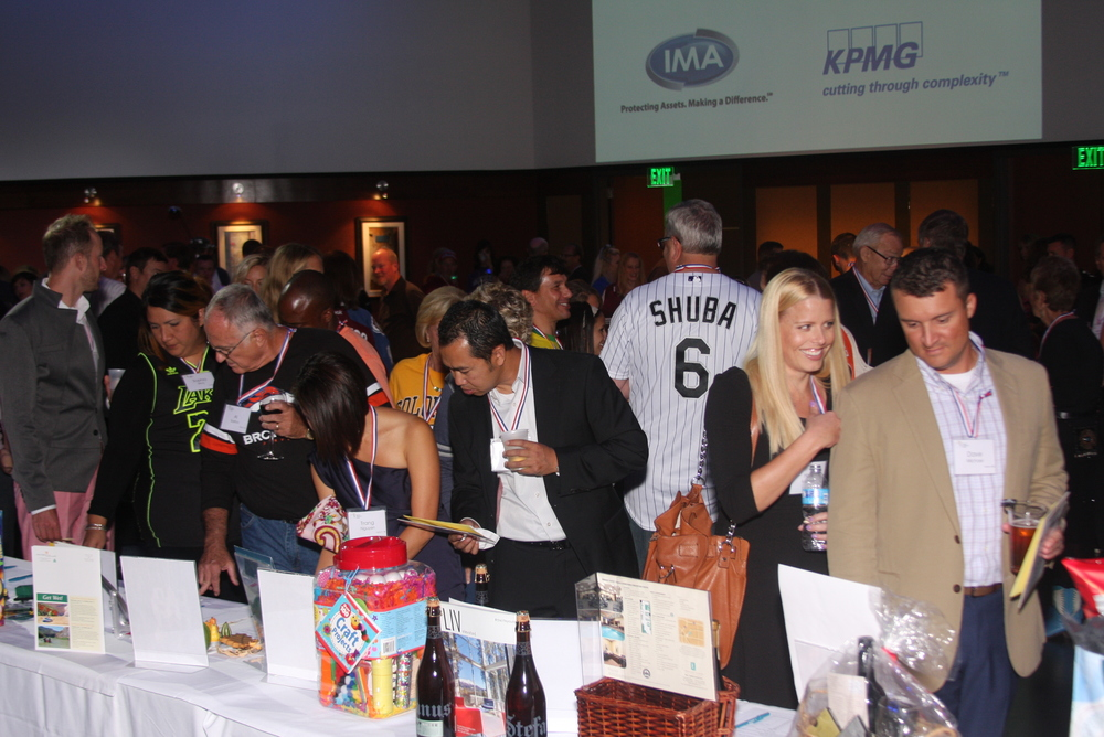 SIlent Auction Browsing.JPG