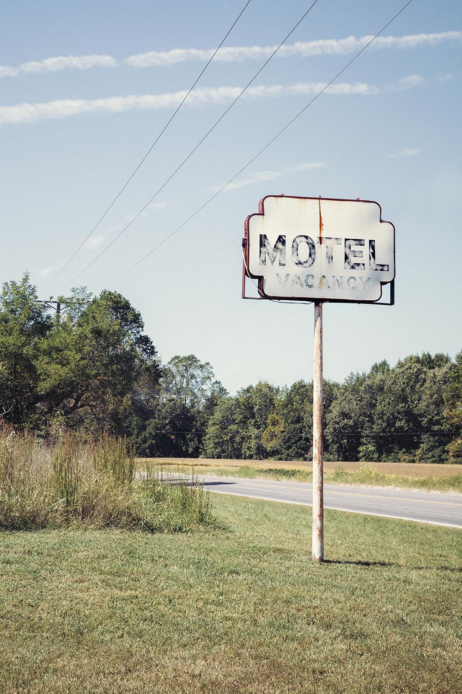 Motel_Sign_0013_crop.jpg