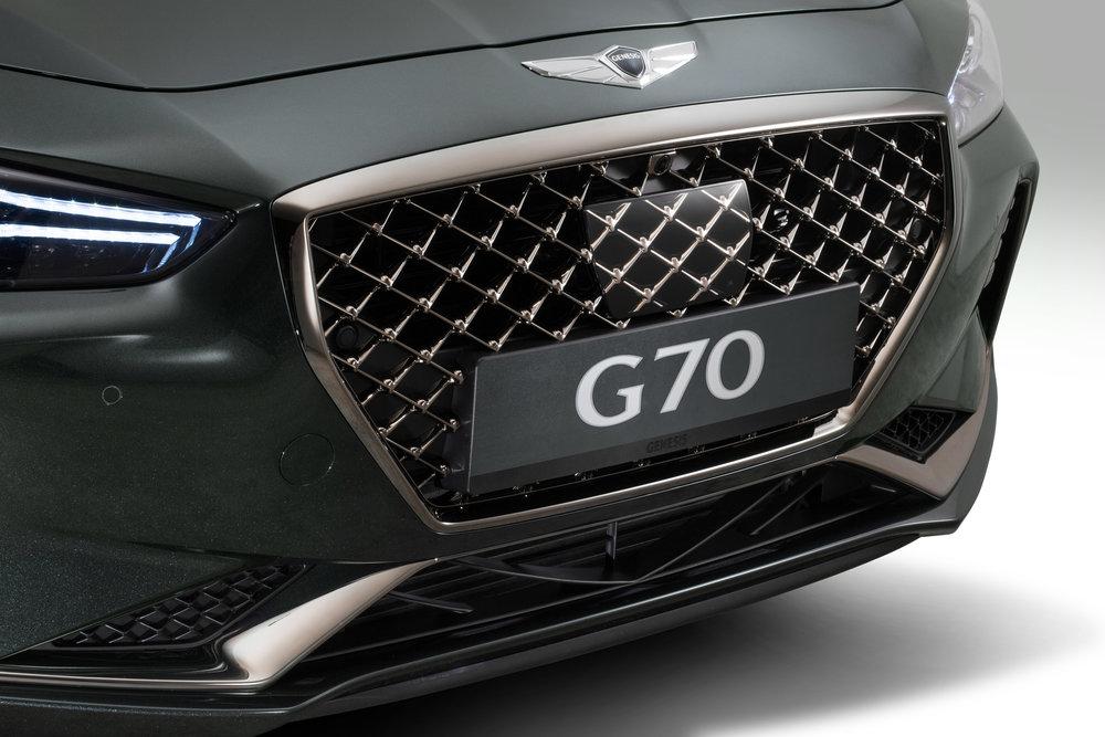 1059-GenesisG70.jpg
