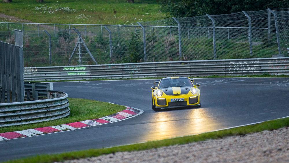 high_911_gt2_rs_world_record_nürburgring_2017_porsche_ag (3).jpg