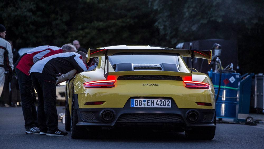 high_911_gt2_rs_world_record_nürburgring_2017_porsche_ag (1).jpg