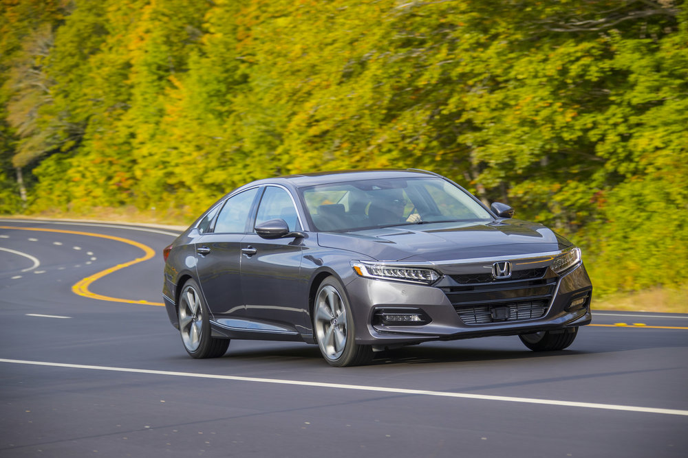 2018_Honda_Accord_Touring_2.0T_059.jpg