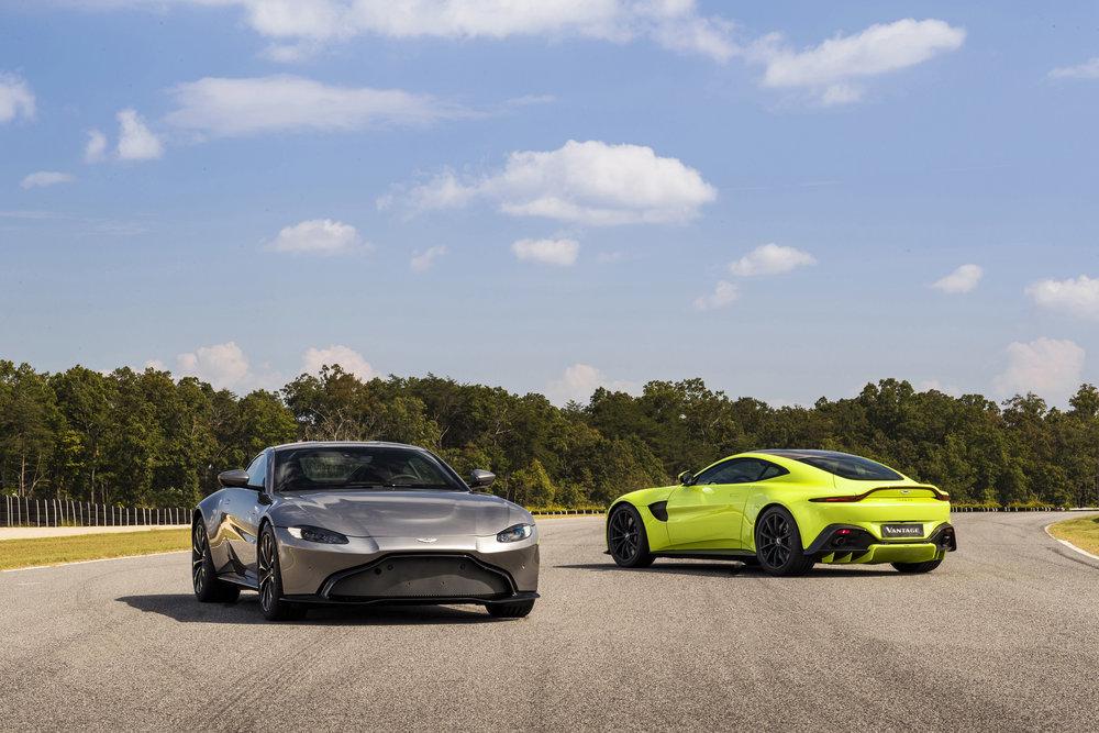 Aston Martin Vantage_Tungsten Silver_Lime Essence_05.jpg
