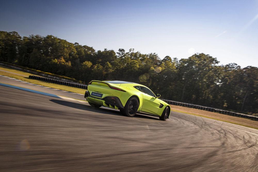 Aston Martin Vantage_Lime Essence_03.jpg