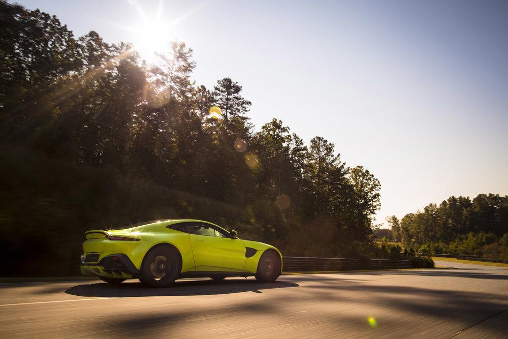 Aston Martin Vantage_Lime Essence_04.jpg