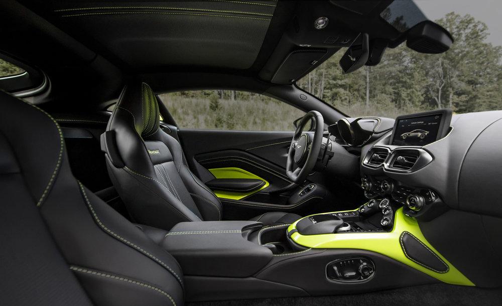 Aston Martin Vantage_Lime Essence_16.jpg