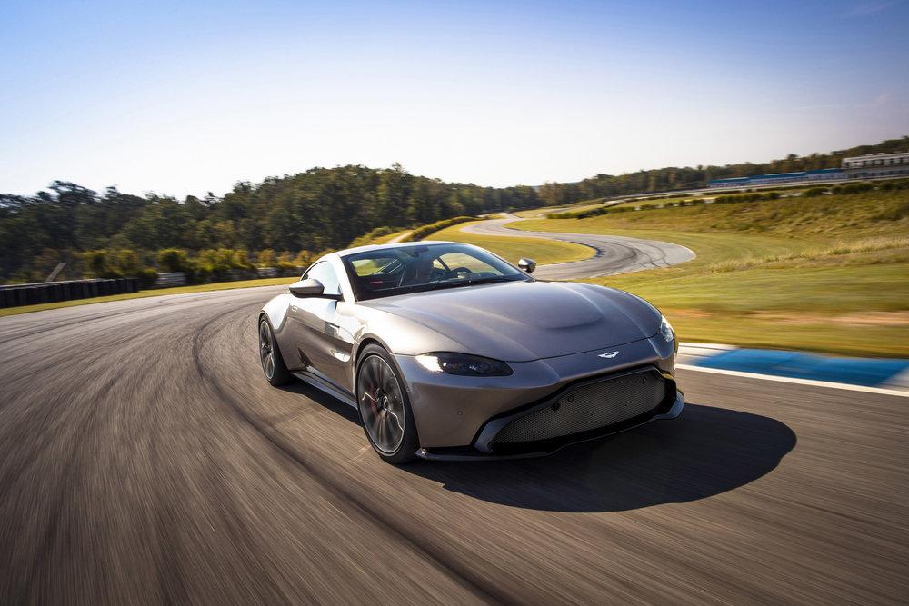 Aston Martin Vantage_Tungsten Silver_01.jpg
