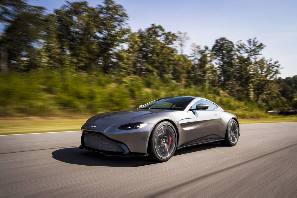 Aston Martin Vantage_Tungsten Silver_02.jpg