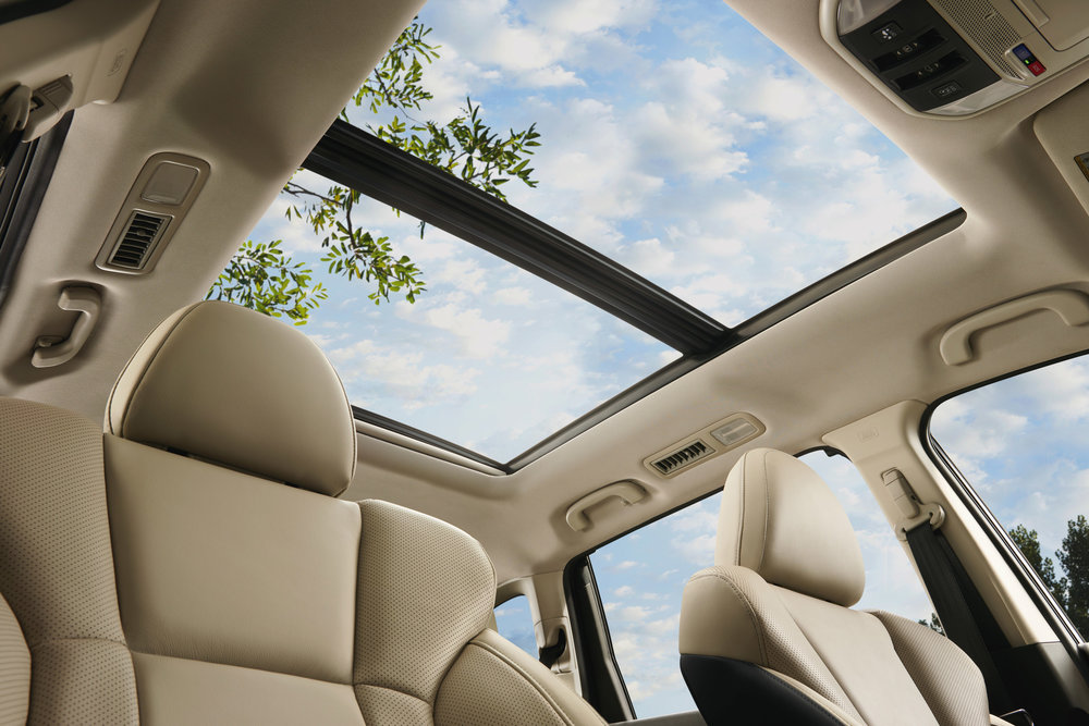 2019_Ascent_Limited-moonroof.jpg