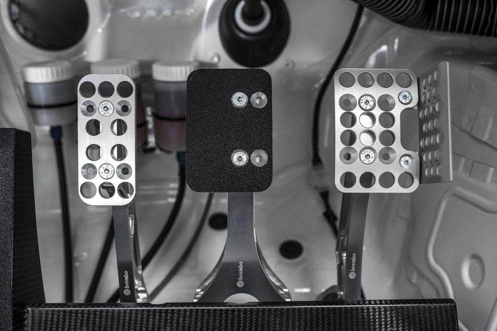 GR_Supra_Racing_Concept_Interior_Details_06_E8C12609E9D8908CF82044720EFA5E9CE13581C7.JPG