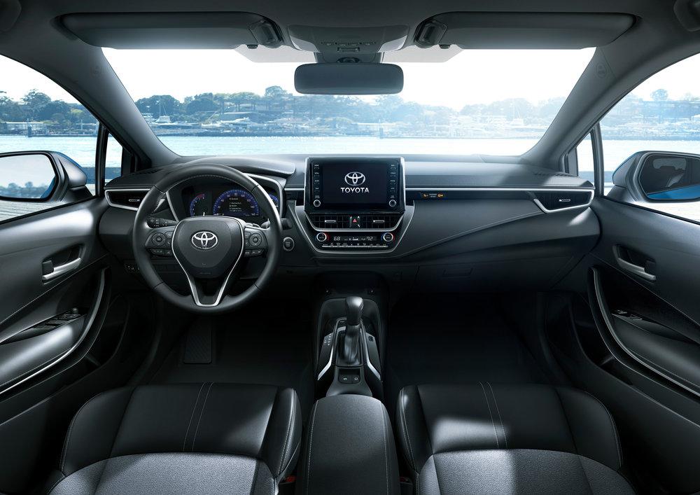 2019_Toyota_Corolla_Hatchback_31.jpg
