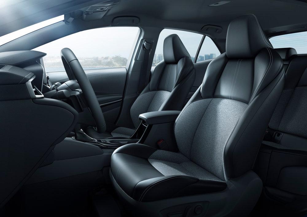 2019_Toyota_Corolla_Hatchback_32.jpg