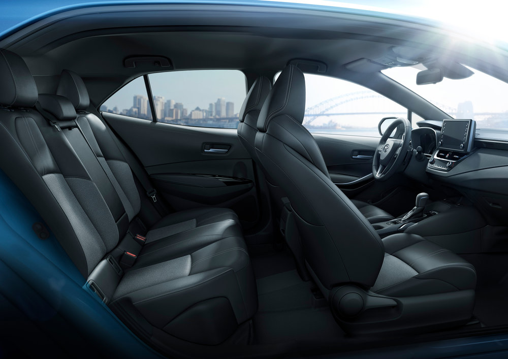 2019_Toyota_Corolla_Hatchback_33.jpg