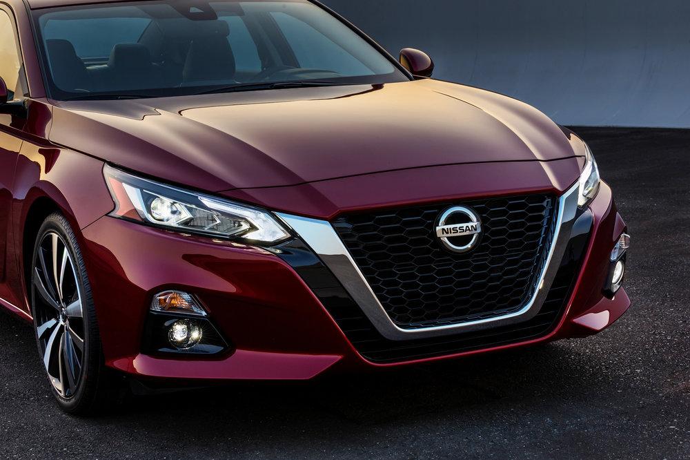 2019_Nissan_Altima_Photo_04.jpg