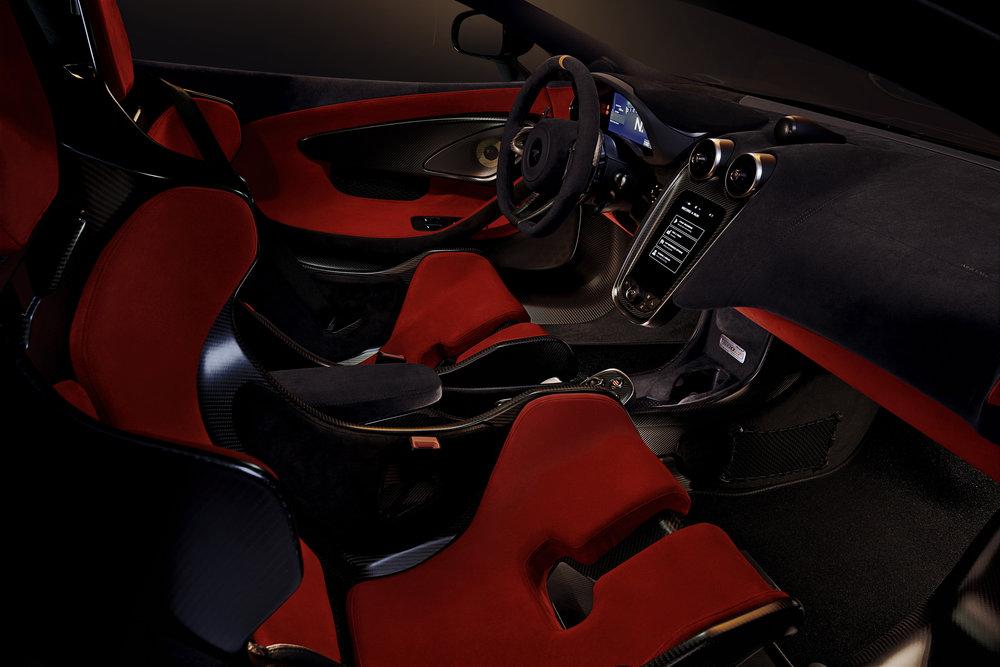 McLaren 600LT_Chicane Grey_image08.jpg