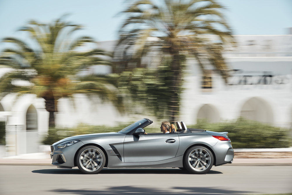 P90318572_highRes_the-new-bmw-z4-roads.jpg