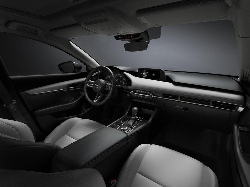 32_Mazda3_INT_COCKPIT_White.jpg