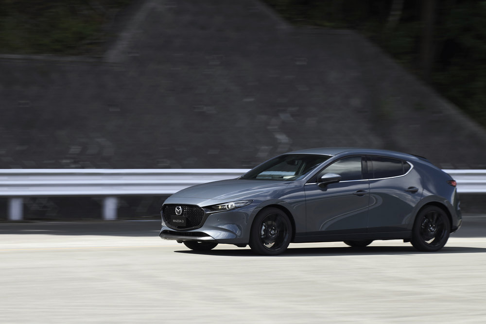 12_Mazda3_5HB_EXT_Polymetal-Gray-Metallic_12.jpg