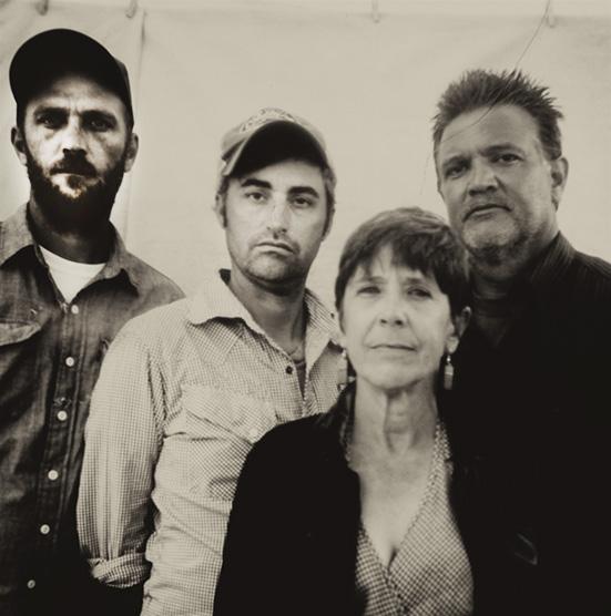 l to r; Matt Downing, Jim Wright, Beth Carlson, Kip Beacco . (photo by A  urelien De St André)