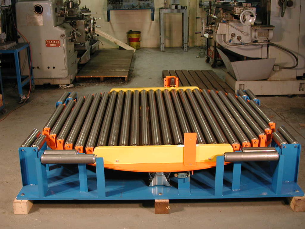 Roller turn table.jpg