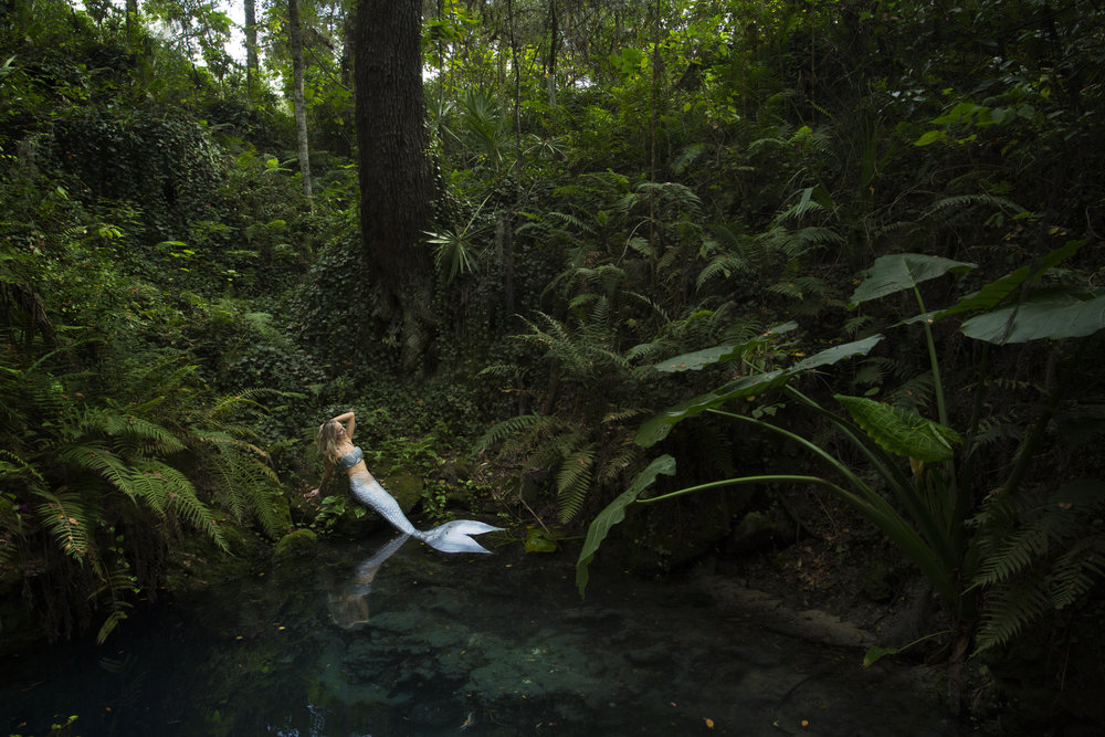 Mermaid Ariel Lynn Brown, before entering Paradise Spring near Ocala. Photo by Kristina Sherk.