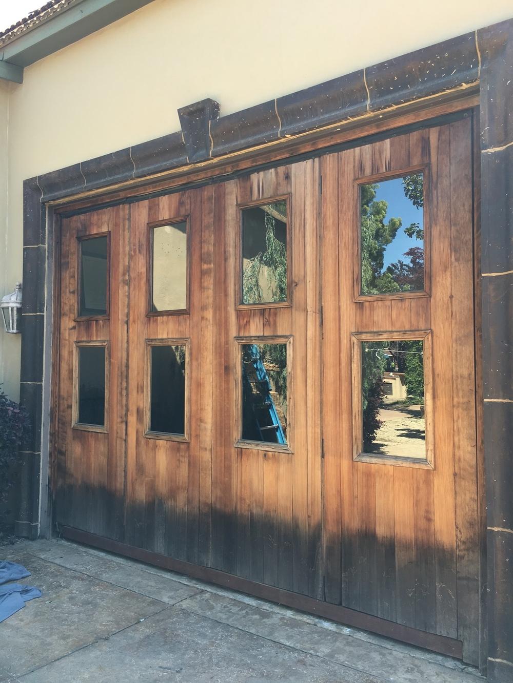 rustic-wedding-barn-doors-in-folsom-california-for-events-ceremonies-or-receptions.JPG