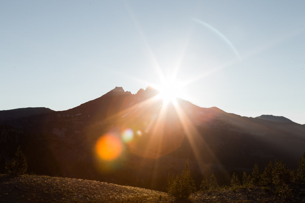 Sunrise over Broken Top, which you can also hike up. It is a 10-kilometre return hike with an elevation gain of 427 metre so significantly more gentle than South Sister. Broken Top is 2,797 metres tall.