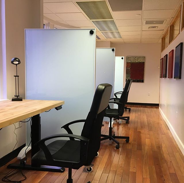 New coworking desks with dry erase dividers. #PASSworks #coworking #smallbusiness #freelance #officespace #alexandria #alexandriava #dcmetro #startup #startuplife #oldtownalexandria #desk #coworkingspace #workspace learn more at www.passworks.net