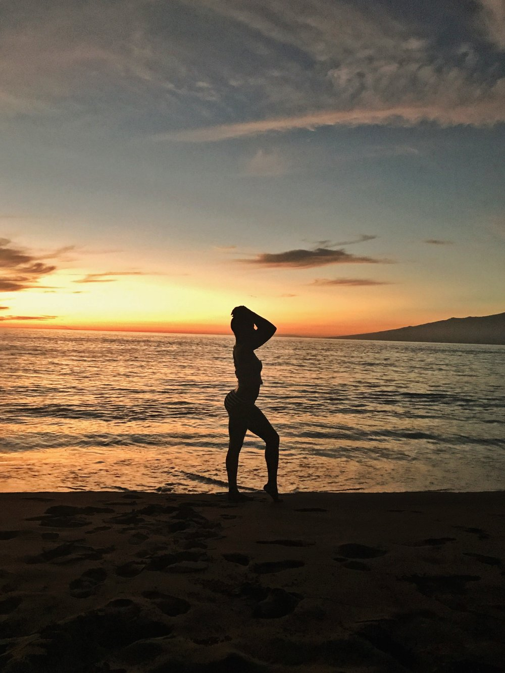 Hawaii-sunset-black-woman-silhouette-by-Atlanta-photographer-Chanel-French-17